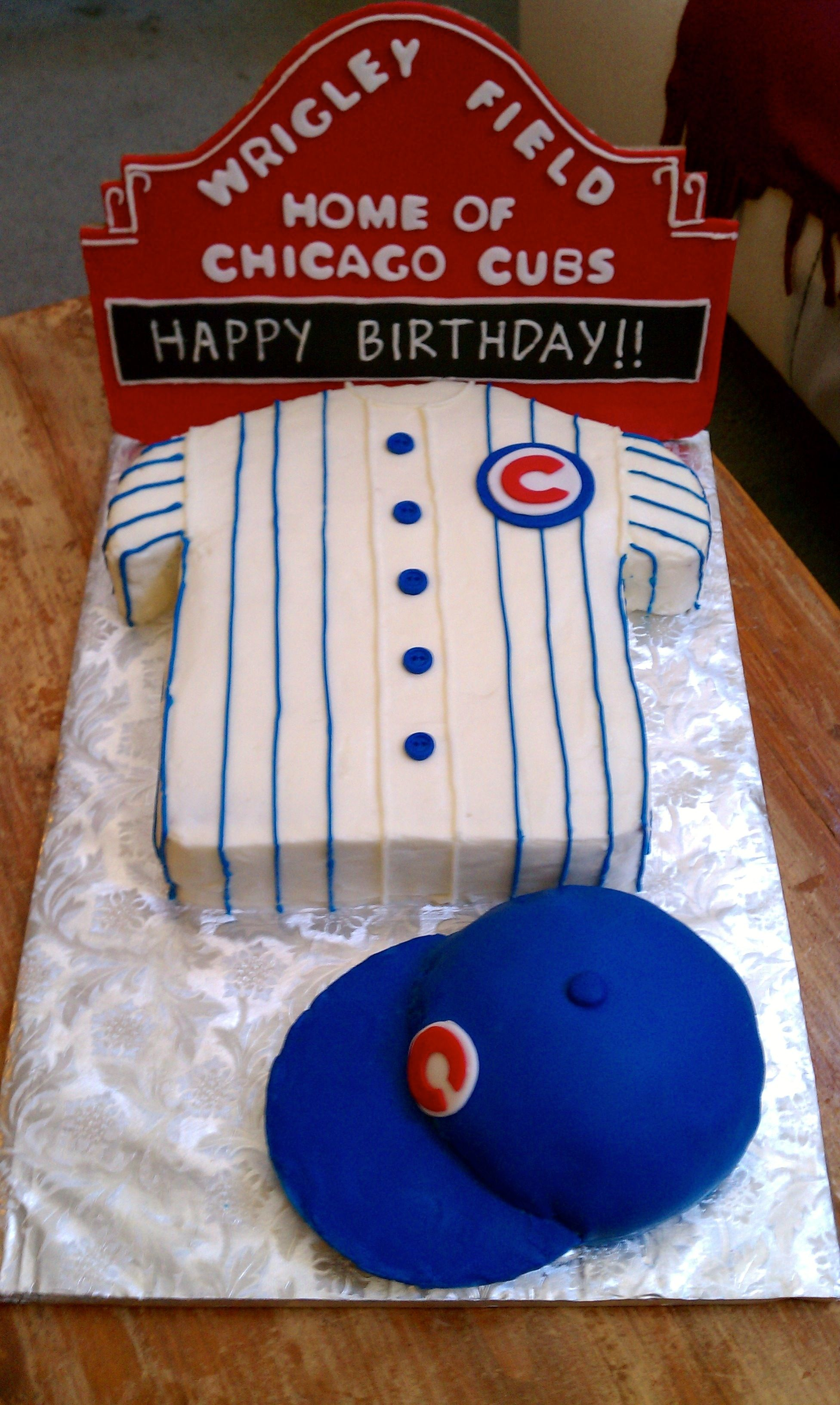 Chicago Cubs Wrigley Field Birthday Cake With Baseball Cap
