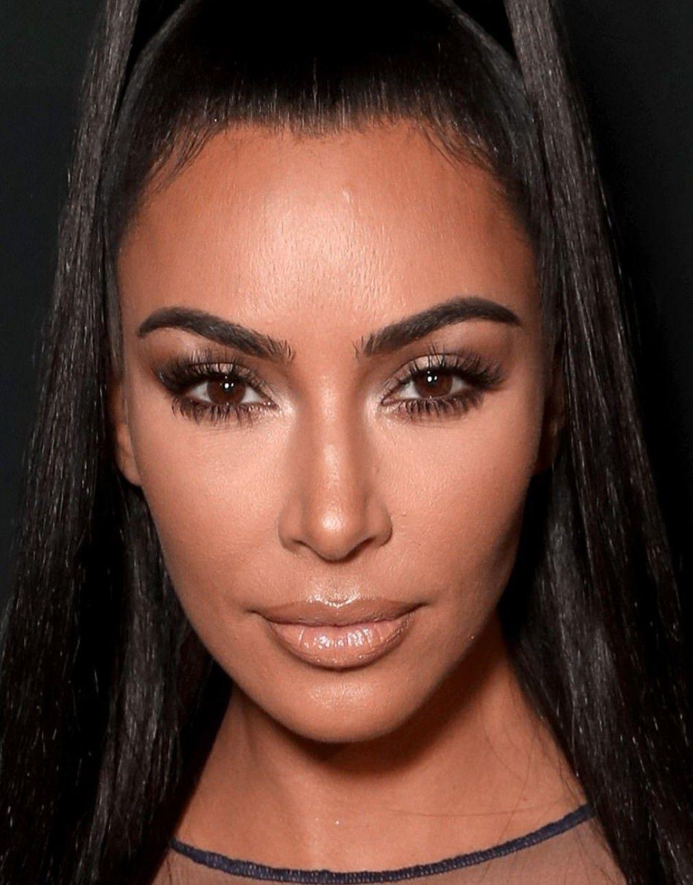 Pin By Adriana Hernandez On Kim Kardashian Kim Kardashian Makeup Looks Kim Kardashian Makeup Kim K Makeup