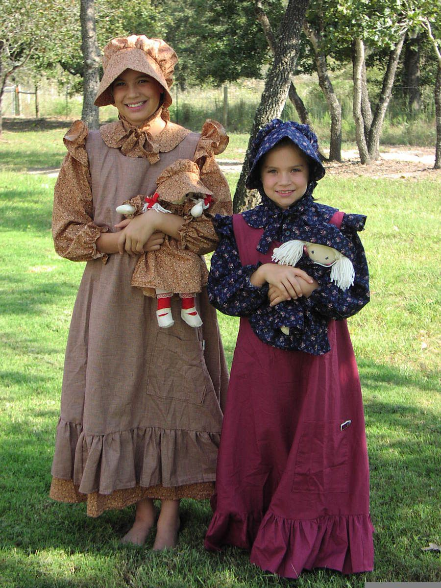 White pinafore apron costume - Little House Prairie Pioneer Dresses Bonnets Pinafores Nightgowns For Girls Their Dolls And Moms