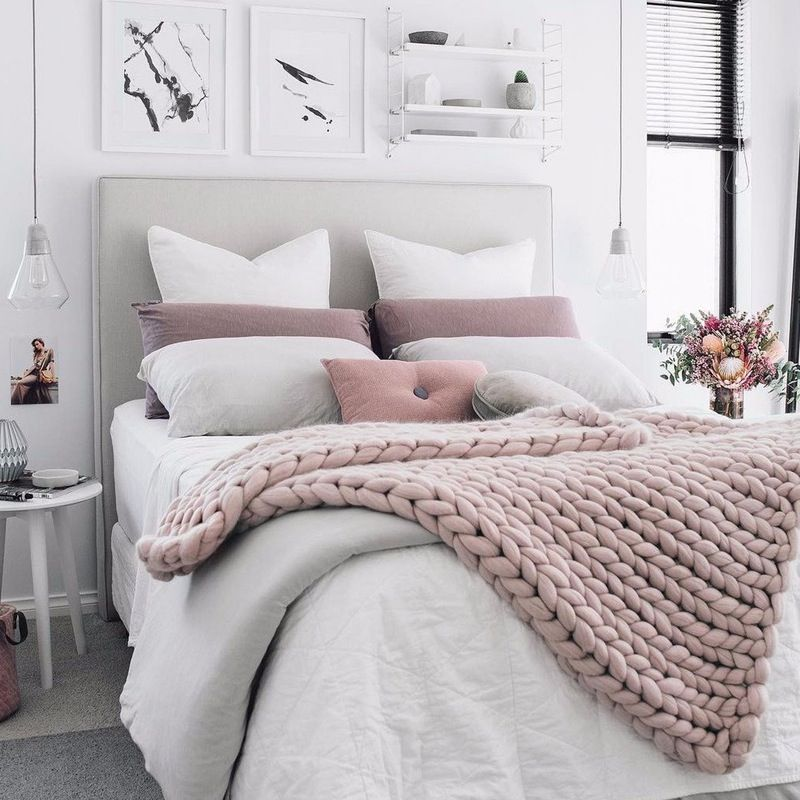Nail Fall S Coziest Trends With These 20 Chunky Blankets To Buy Or