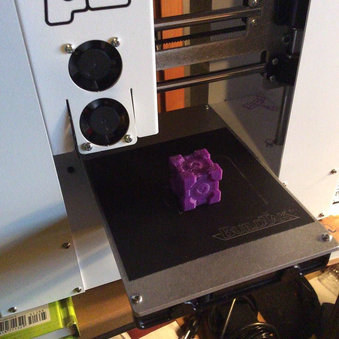 An awesome Pirntrbot pic! Finally got ye olde #printrbot up and running. by derek_richline Check us out http://bit.ly/1KyLetq