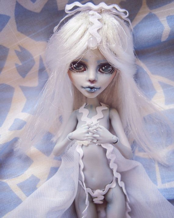 Monster high repaint OOAK art doll --- Ghoulia Yelps | BJD and ...