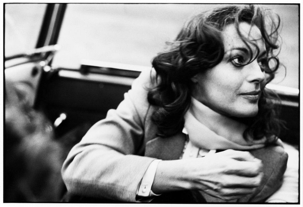 Romy Schneider, Berlin 1976. Während der Dreharbeiten zu PORTRAIT DE GROUPE AVEC DAME/GRUPPENBILD MIT DAME, R: Aleksandar Petrovic, F/BRD 1976, © Foto: Robert Lebeck