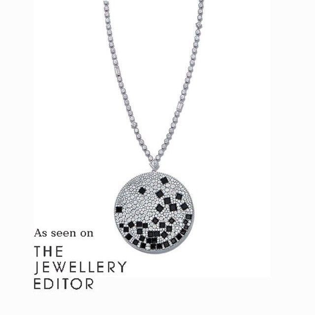 The new @tiffanyandco Masterpieces 2015 collection has a strong and well executed theme, which stands out in every piece. Come over to www.thejewelleryeditor.com today and discover this exquisite collection #TiffanyandCo #TiffanyMasterpieces #diamonds #onyx #diamondpendant #newyorkstyle #luxury #jewelry