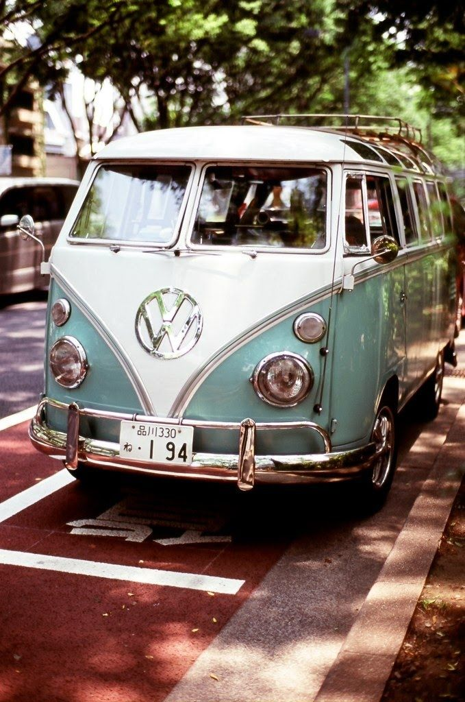 My Dream Car I Want To Sell My Car And Get One So Bad Pinned For Mother To Find Volkswagen Bus Hippie Van Volkswagen