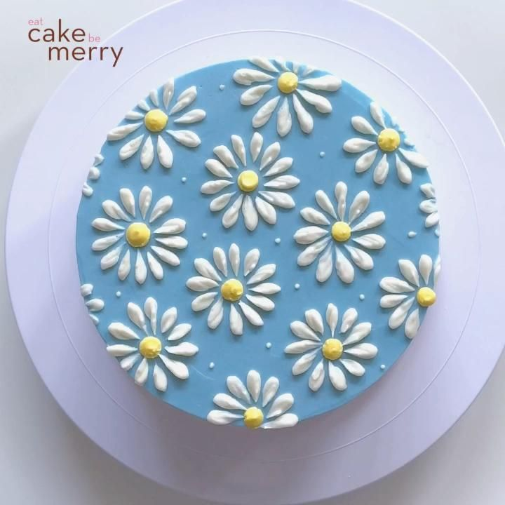 How to Pipe a Buttercream Daisy Cake