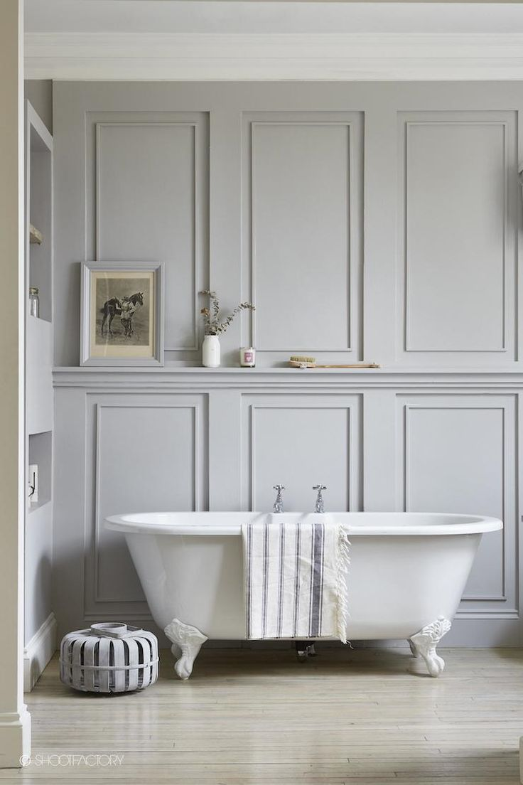 Gorgeous wall detail in this London bathroom and I love those ...