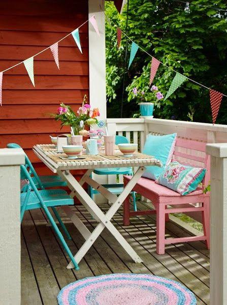 Terrazas y balcones en colores pastel pastel decorado - Patios pequenos decorados ...