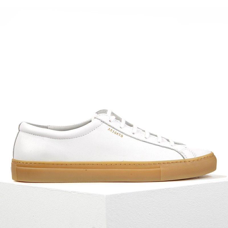 La low sneaker en cuir blanc et sa semelle marron , Axel Arigato