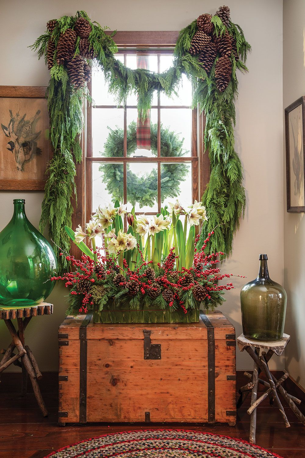 Amaryllis and Holly Berry Arrangement   #christmas #christmasdecor #christmasdecorations #holidaydecor #greenery #decoratingwithgreenery #traditionalchristmas
