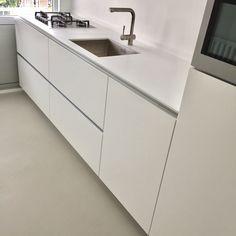 Photo of # maßgeschneidert #küche #weiß RAL 9003 #ultramatte #handlos # maßgeschneidert #design #küche …