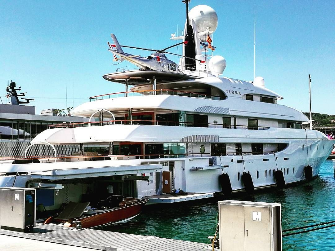 We look and envy: the yacht of the Russian billionaire Melnichenko for 360 million dollars 80