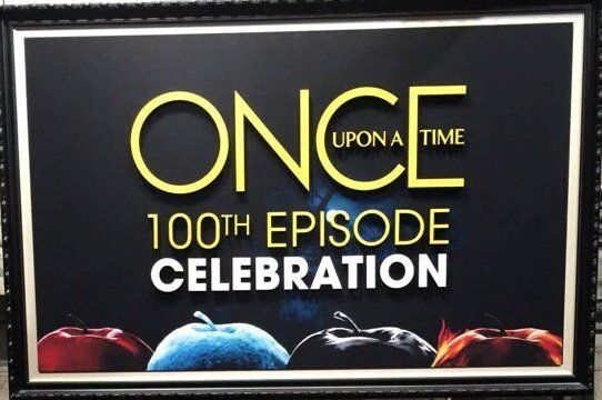 """Mimi on Twitter: """"Everyone notice the apples?  #OnceUponATime #OnceTurns100 https://t.co/m3XX4QFCNO"""""""