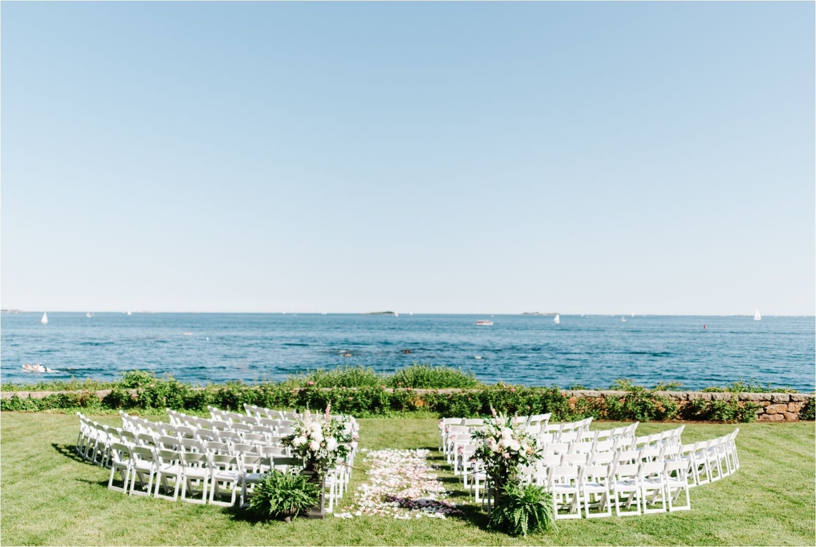 Lush Preppy Wedding At Misselwood At Endicott College In Beverly Ma By Boston Wedding Photograph Endicott College Wedding Misselwood Weddings Endicott College