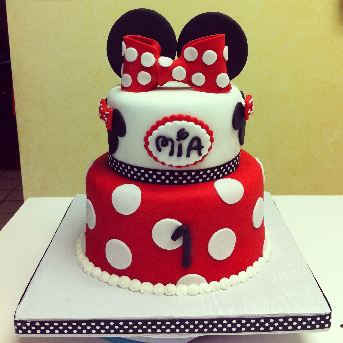Minnie Mouse First Birthday Cake With Little Smash Mini Mouse First Birthday First Birthday Cakes Minnie Mouse First Birthday