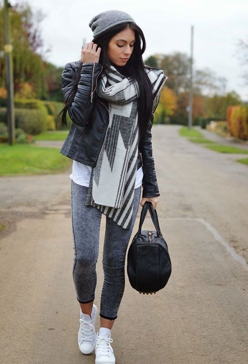 Street Style for Women / Leather Jacket
