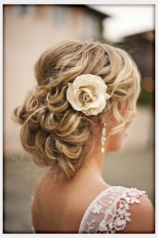 Wedding Flowers, Messy Wedding Hairstyle With Flowers: wedding ...