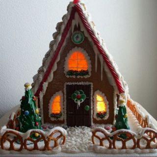 a frame gingerbread house template  A frame gingerbread house   Christmas gingerbread house ...