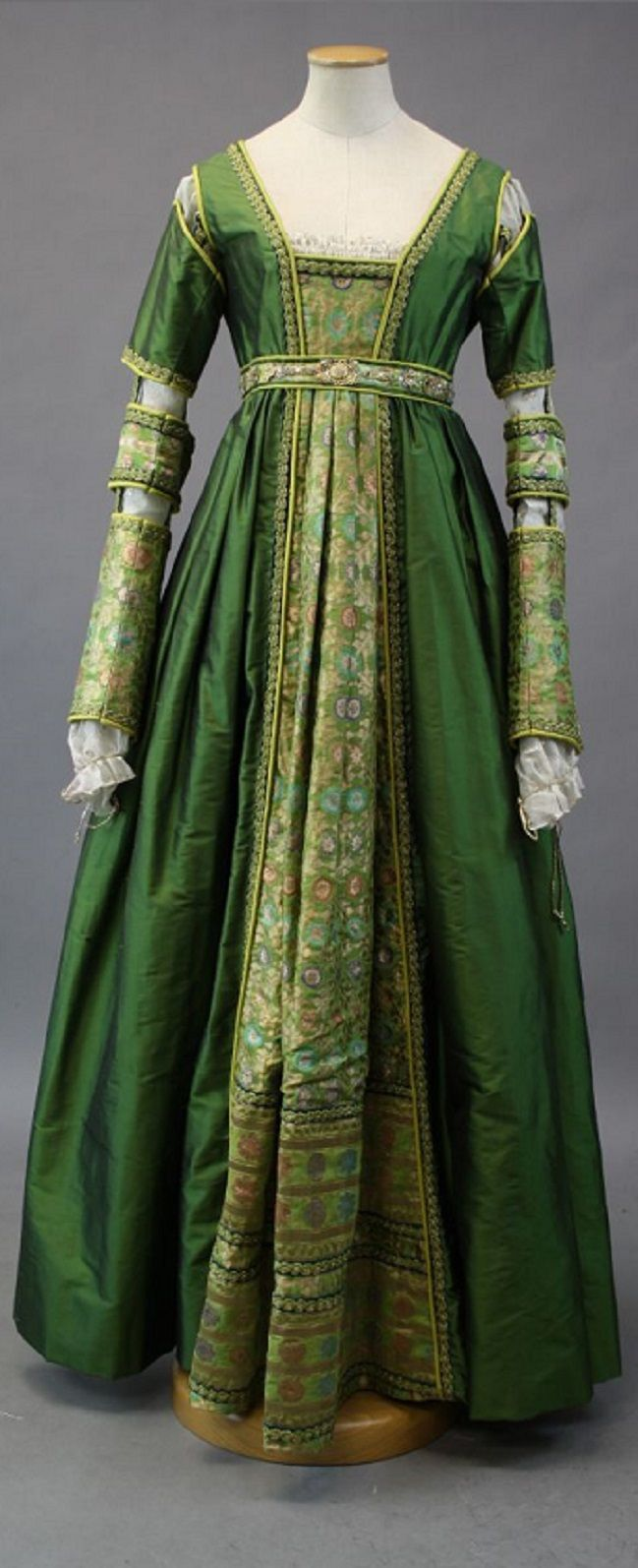 Renaissance   SCA garb   Pinterest   Renaissance, Costumes and Medieval