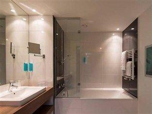 Badezimmer Hotel ~ Austria trend hotel doppio wien wien badezimmer bathroom