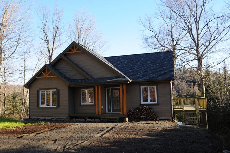 UNE APPROCHE CRAFTSMAN BIEN RÉUSSIE ! Plain-pied de style champêtre - liste materiaux construction maison
