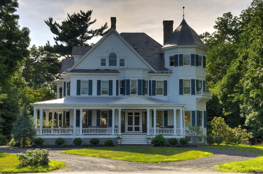 Majestic Historic Home With All The Amenities Of Modern Day Living