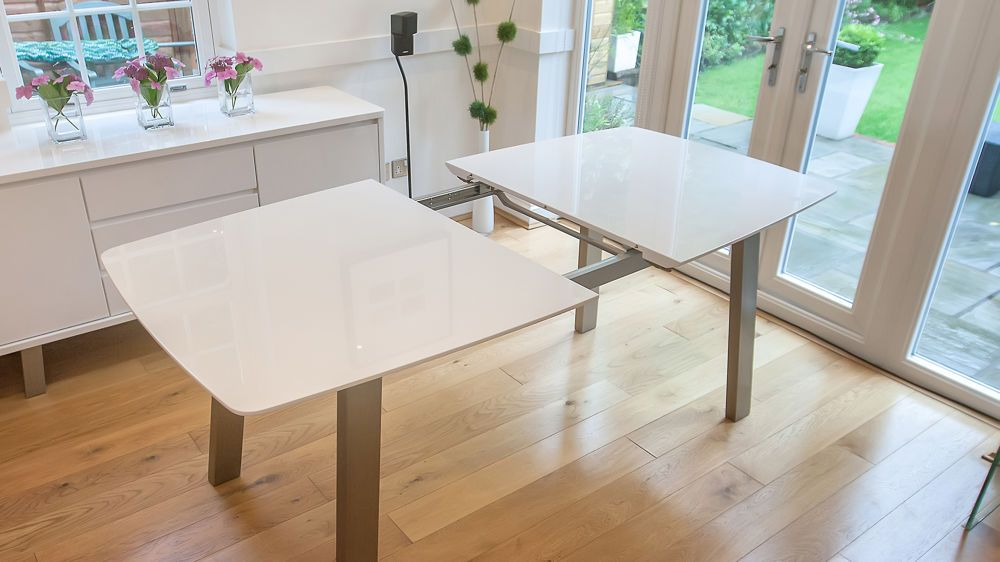 Contemporary White Easy Extending Dining Table Assi