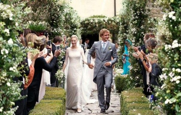 Casamento Da Realeza Pierre Casiraghi E Beatrice Borromeo Armani Wedding Dress Royal Brides Wedding Dresses