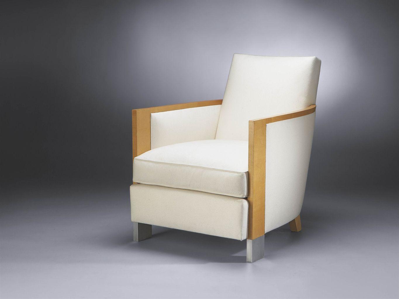 Robert mallet stevens 1886 1945 fauteuil 1929 1932 en placage de sycomore entièrement tapissé dun tissu blanc le dossier incliné les accotoirs