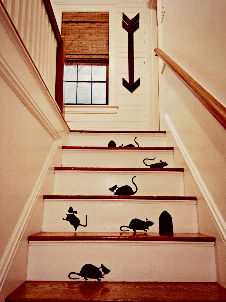 Halloween Decor On The Stairs Houseologie Scary Halloween Decorations Diy Diy Halloween Decorations Halloween Decorations
