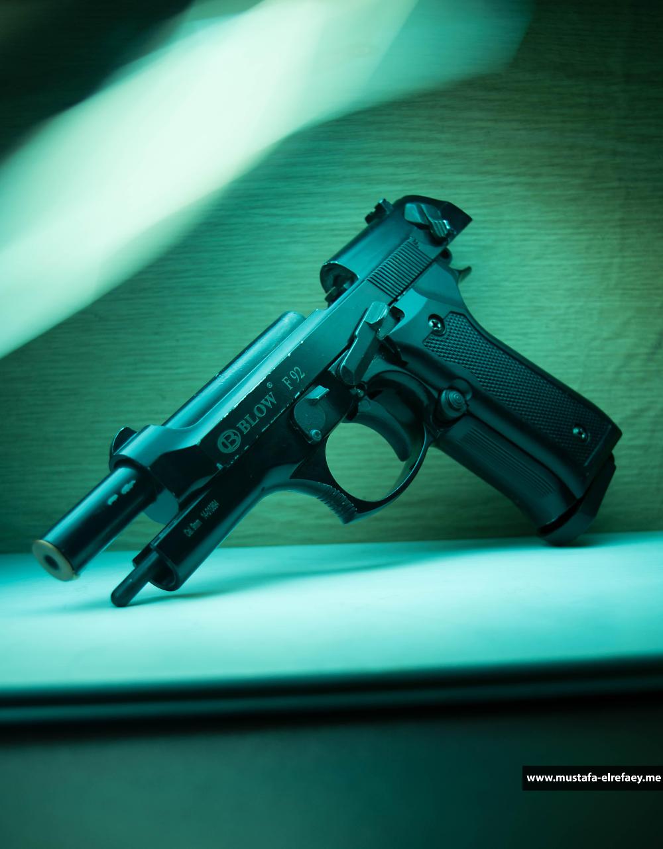 لمحبي الاسلحة اقوي خلفيات اسلحة للموبايل و الكمبيوتر Hd مدونة Hand Guns Guns