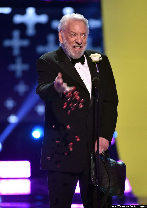 "Donald Sutherland won choice movie villain for his part as President Snow in ""The Hunger Games"" franchise. True to the character, Sutherland, 79, wore a white rose boutonniere and threw berries to the crowd. ""I wouldn't eat them if I were you,"" Sutherland joked."