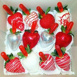 Birthday/Valentines Day/ Special Occasion Berries!! Contact me!! NikkiEtreats@gmail.com  #NikkiEtreats������������������������#NikkiEtreats������������ #blingberries #ChocolateHighHeel #chocolatecoveredstrawberries #chocolatestrawberries #chocolatestrawberry #chocolate  #strawberry #infusedstrawberries  #infused #chocolateheels #highheels  #highheelshoes #chocolatehighheel #chocolatehighheels #chocolatehighheelshoes #chocolatehighheelshoe