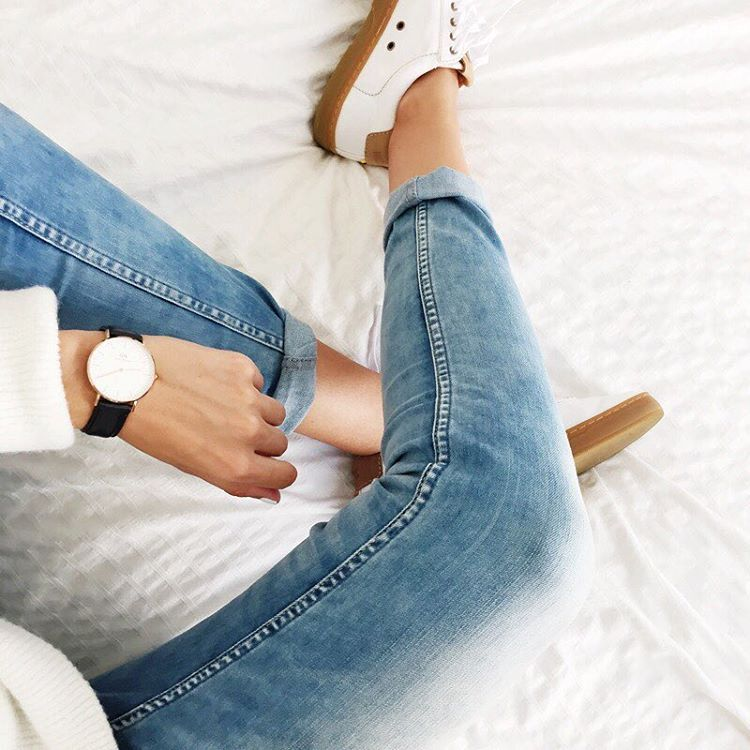 "1,049 curtidas, 5 comentários - Sietske (@connectedtofashion) no Instagram: ""Sweater weather or what? #outfit #rain #toobad #sweaterweather #ootd #denim #danielwellington"""