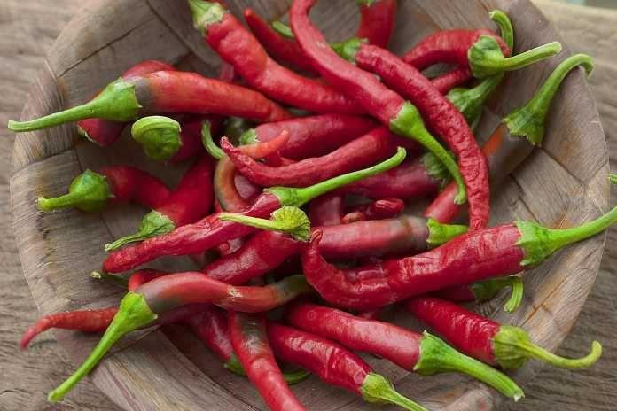 Olej z pálivých paprik: Domácí receptura, která vyléčí vaše bolestivé klouby