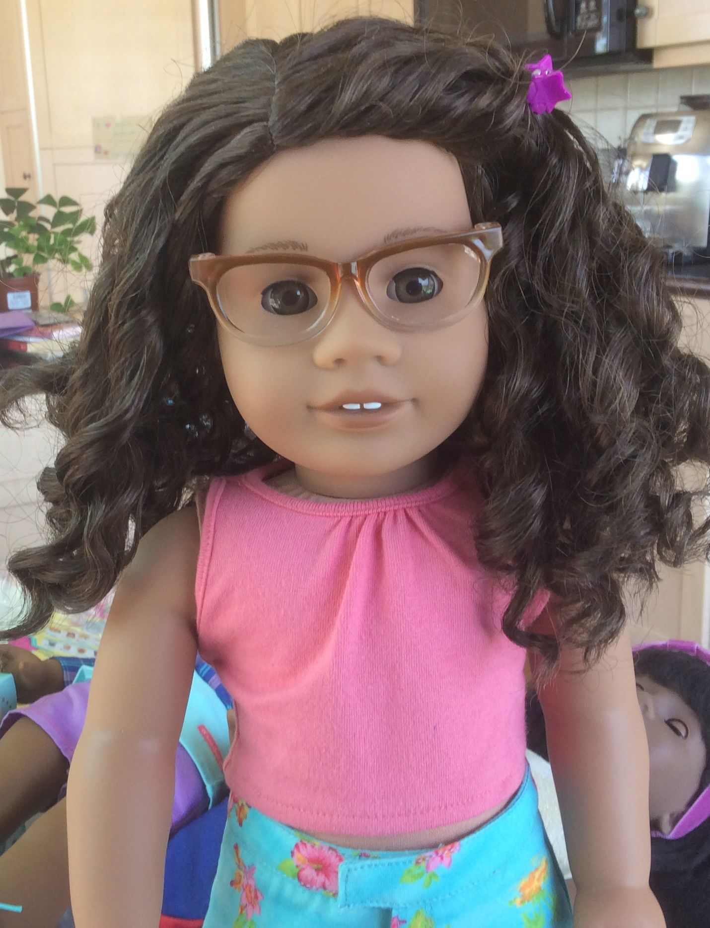 7ad3d3d6da509 Abrielle tries on the new brownie ombre glasses. Ag Dolls