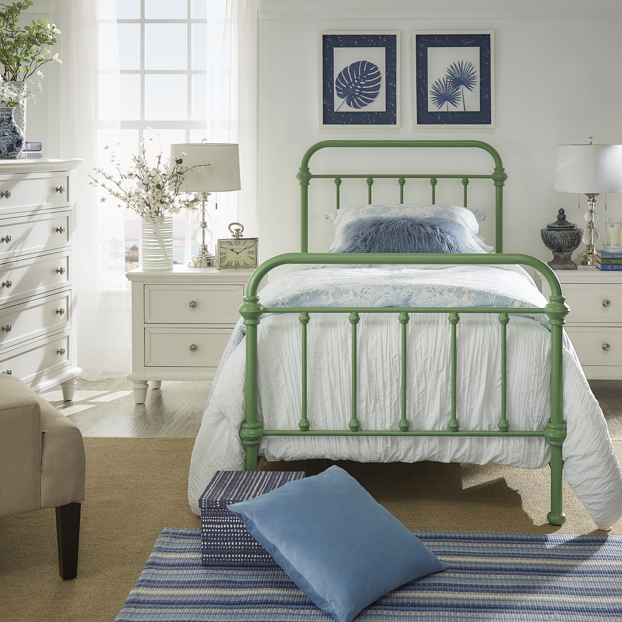Best Home Metal Beds White Iron Beds Weston Home 640 x 480