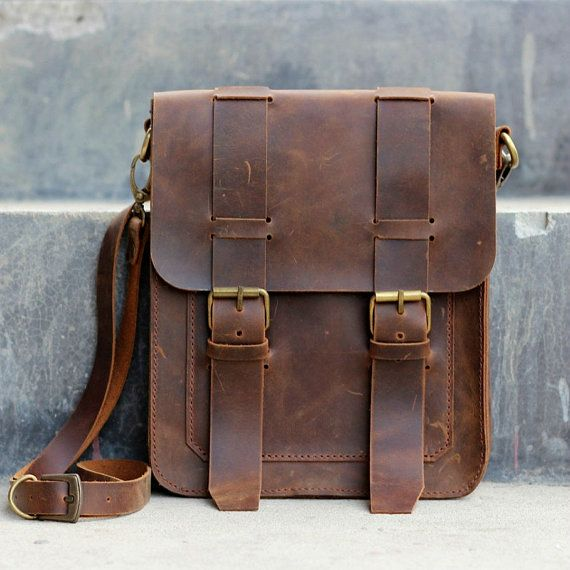PLEASE NOTE -- this is not a laptop bag. We dont accept returns for our leather  bags. d1b5e79a486e6