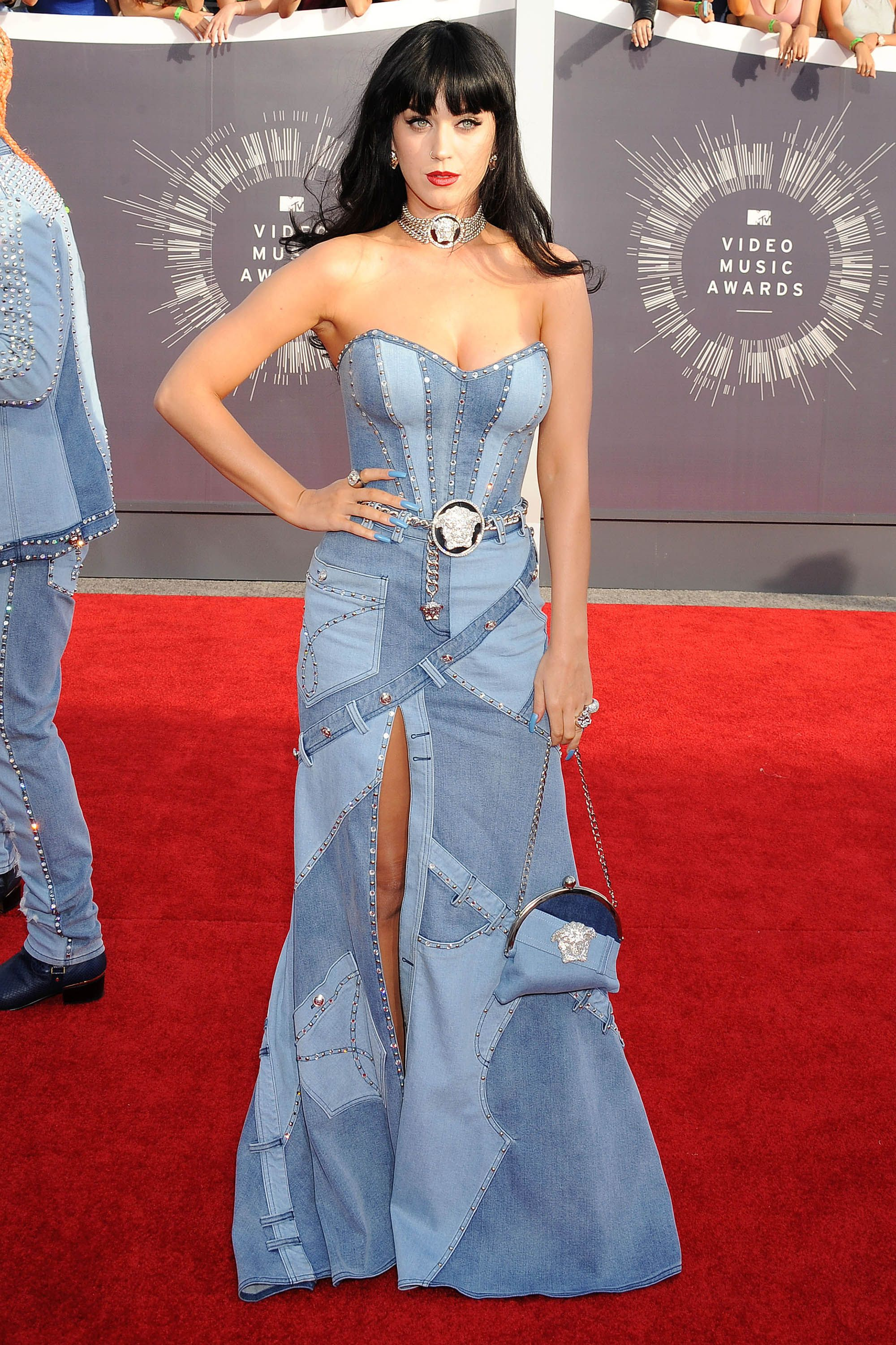 Vmas Fashion Moments We Ll Never Forget Iconic Dresses Katy Perry Pictures Fashion