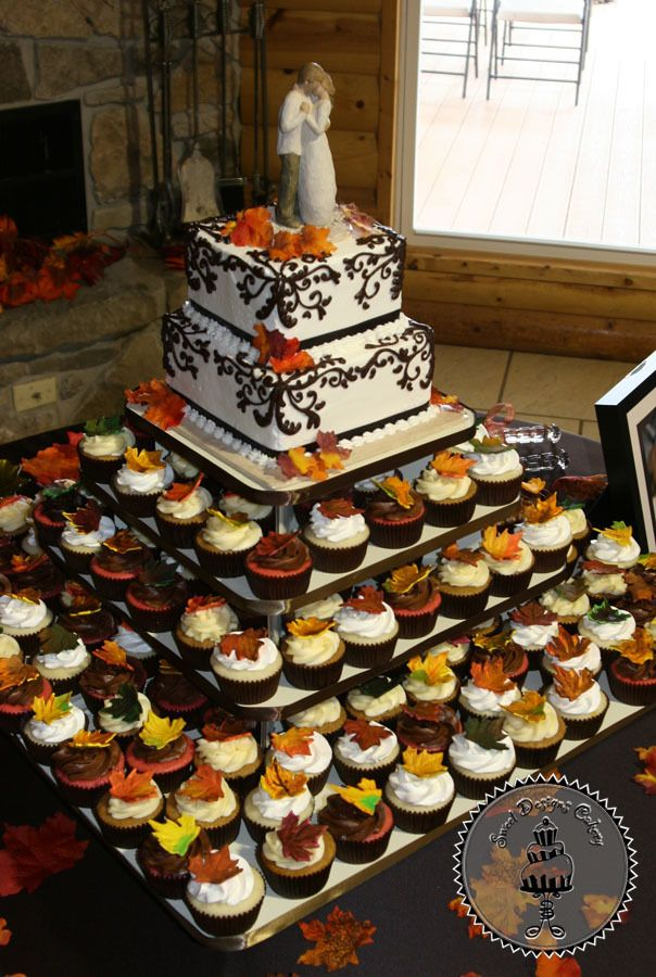 Groom Bride Cake And Cupcakes Fall Wedding Cakes Fall Wedding Cupcakes Wedding Cakes With Cupcakes
