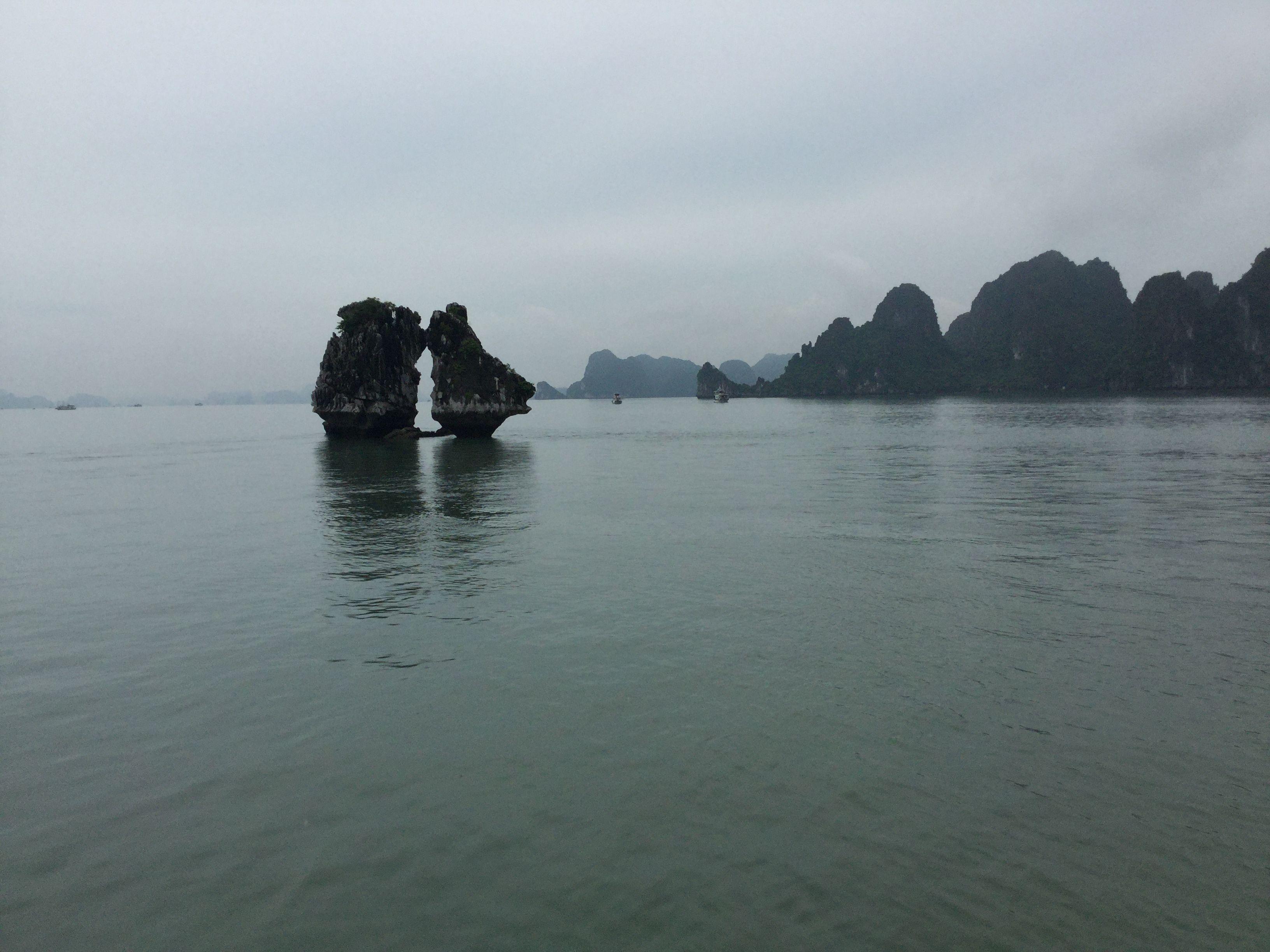 Vịnh Hạ Long Việt Nam Viết