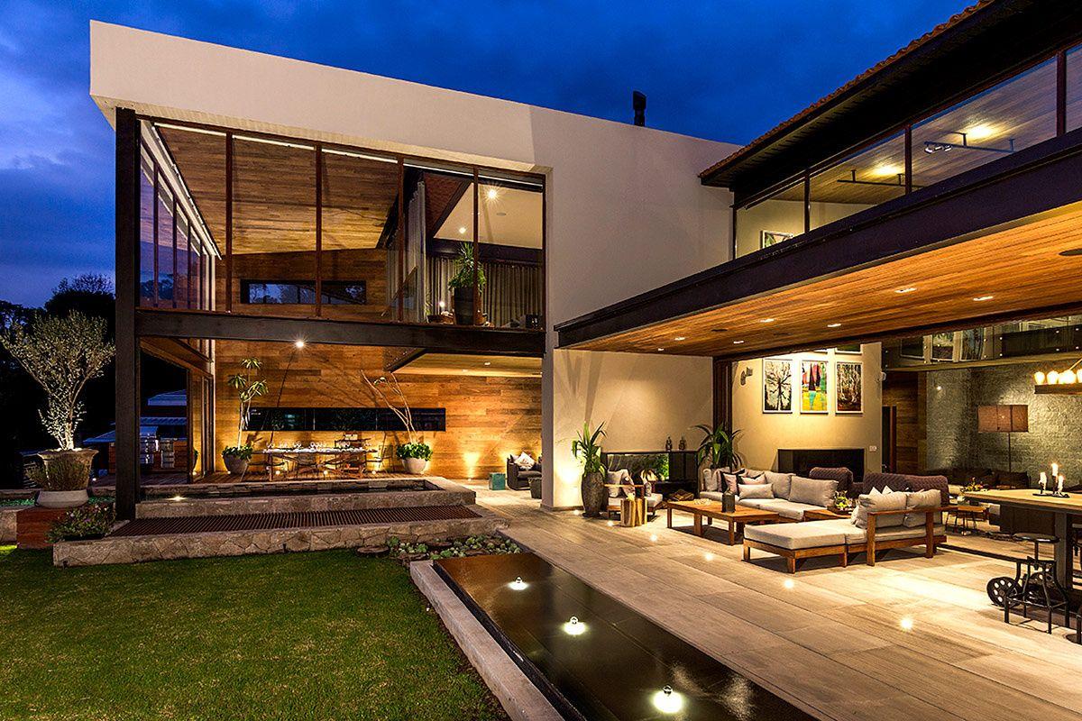 Casa en valle de bravo architecture house and modern for Casas modernas interior y exterior