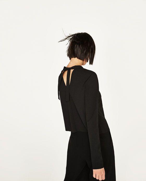 Billede 5 Af T Shirt Med Slojfe Og Halsband Fra Zara