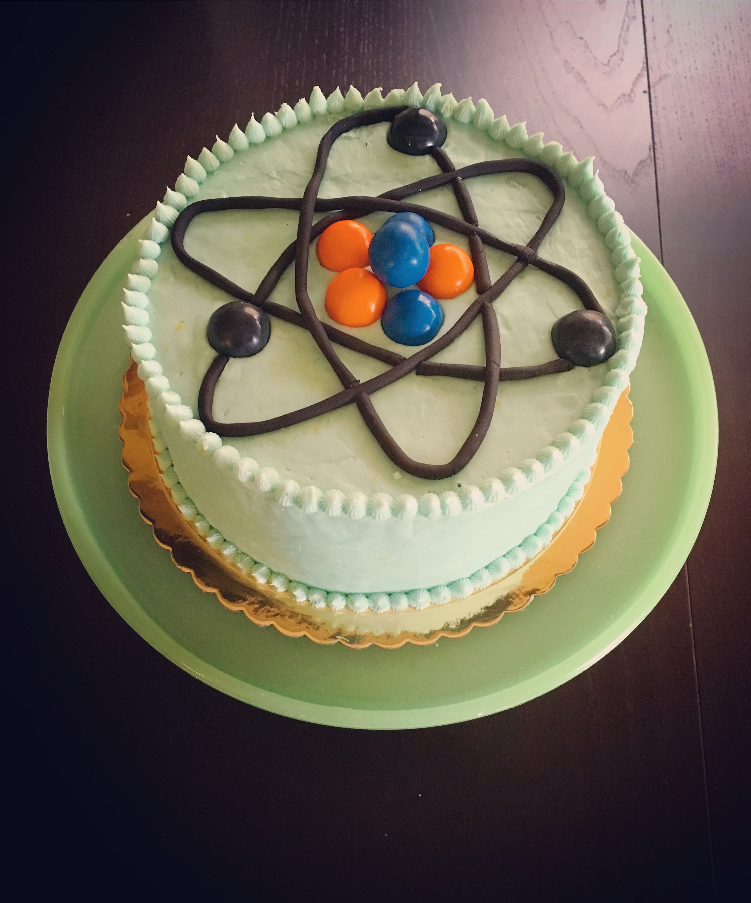 Atom cake cake desserts food