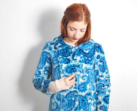 1960s Blue Floral Carpet Coat // sz Small by UXCVintage on Etsy