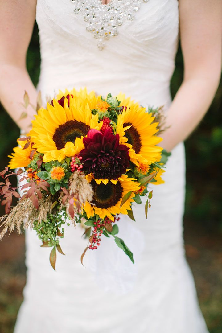22 Cheery Sunflower Wedding Bouquets | Sunflower bouquets ...