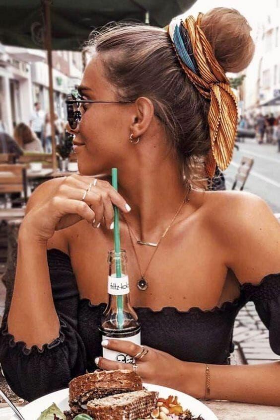 Kopftuch Kopftuch und Schleifenfrisur | 25 Haarideen | Vera Casagrande   #accessories