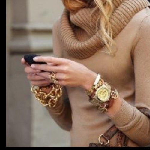 Love her accessories!