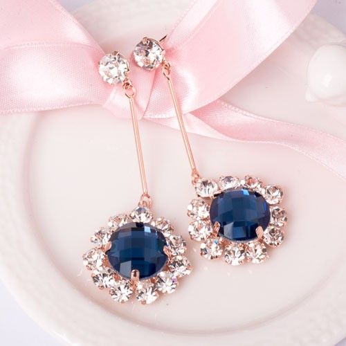 New Stylish Crystal Flower Alloy With Rose Gold Plated Women's Drop Earrings