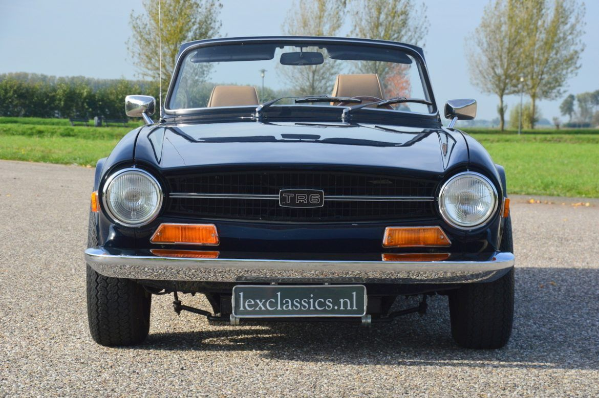 For sale, beautiful Triumph TR6 performed in the chic color